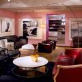Кресло, диван Baxter, торшер Flos, столик Minotti